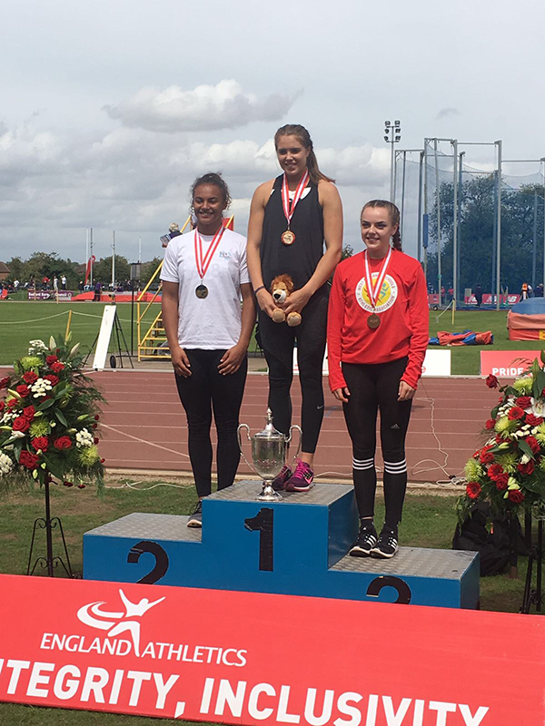 Josie Oliarnyk Wins Bronze at the English Senior Championships and Silver in the in the   Inter- Counties Championships.